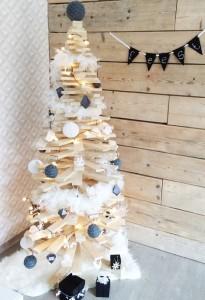 Kerstversiering - kerstboom in hout