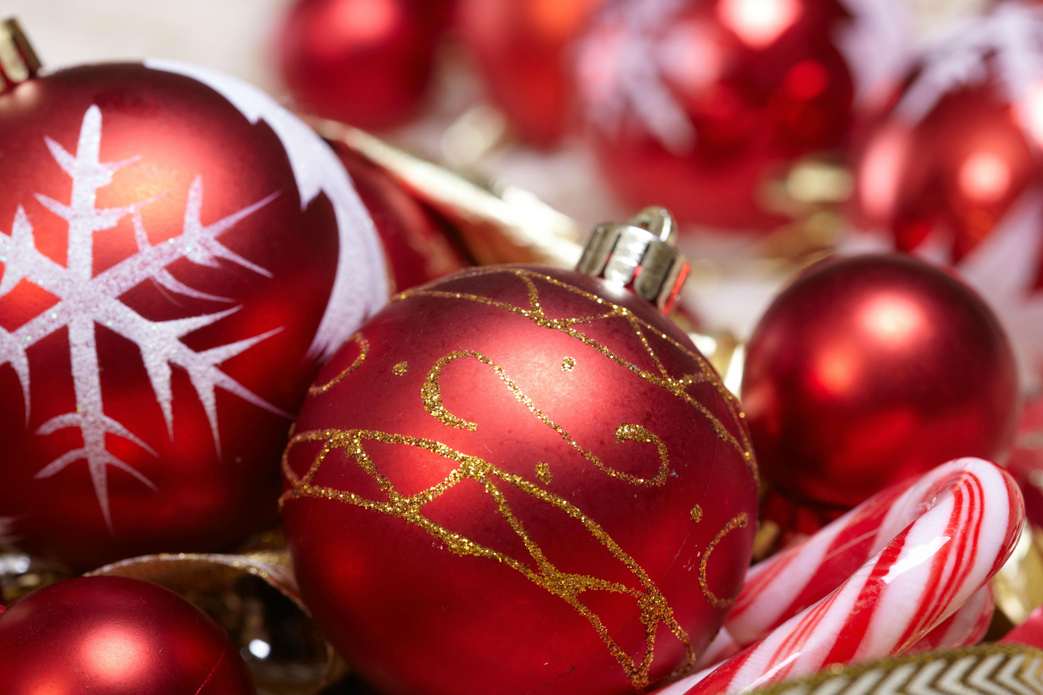 Kerstboom versieren - Versieren kantoor ...
